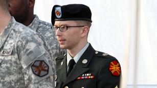 """Ver vídeo  'Arranca el Consejo de Guerra que juzgará por """"alta traición"""" al soldado Manning'"""