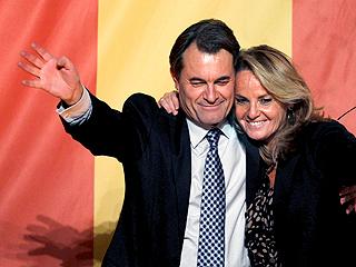 Ver v?deo  'Artur Mas celebra la rotunda victoria de CiU en las elecciones'