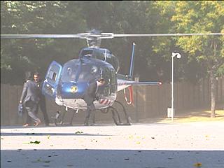 Ver v?deo  'Artur Mas y varios diputados llegan al Parlament en tres helicópteros'
