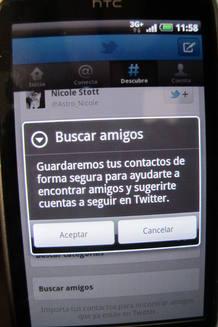 Twitter solicita permiso al usuario para acceder a su agenda de contactos y guardar sus datos