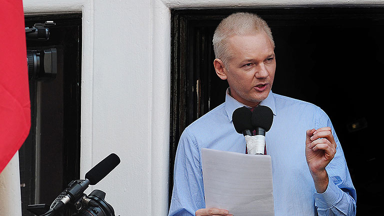 Assange pide a Obama que pare la caza de brujas contra Wikileaks