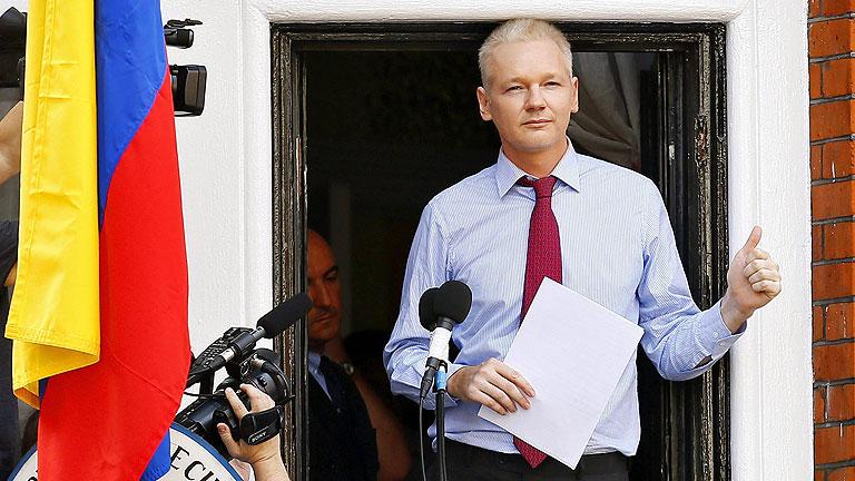 """Assange pide a Obama que renuncie a su """"caza de brujas"""" contra WikiLeaks"""