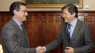 Ver vídeo  'En Asturias, los partidos políticos siguen con los contactos para formar gobierno'