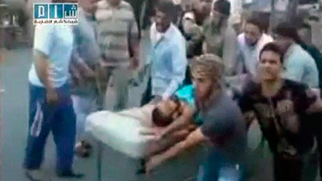 Tanques del ejército sirio atacan la ciudad de Hamá