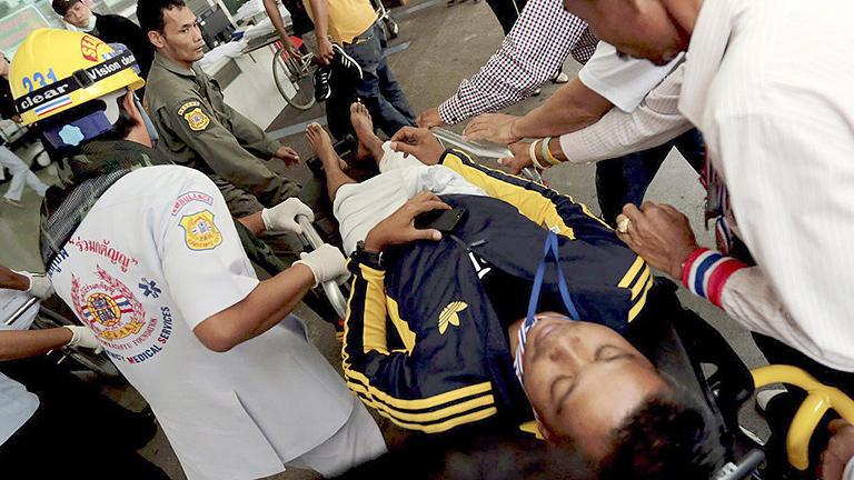 Estallan dos granadas en una manifestación opositora en Tailandia