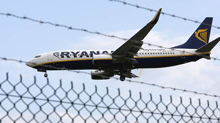 Aterrizaje de emergencia en El Prat de un avión de Ryanair que iba a Reus
