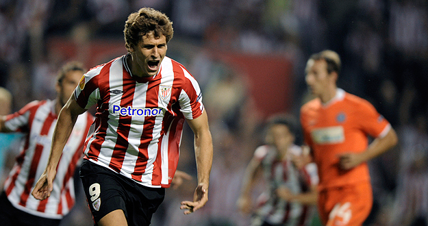 El jugador del Athletic Fernando Llorente celebra un gol ante el Austria de Viena en la Liga Europa.