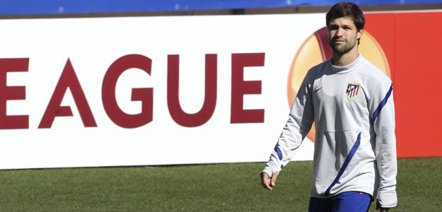 El centrocampista brasileño Diego Ribas