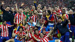 El Atlético, tres títulos europeos en dos años