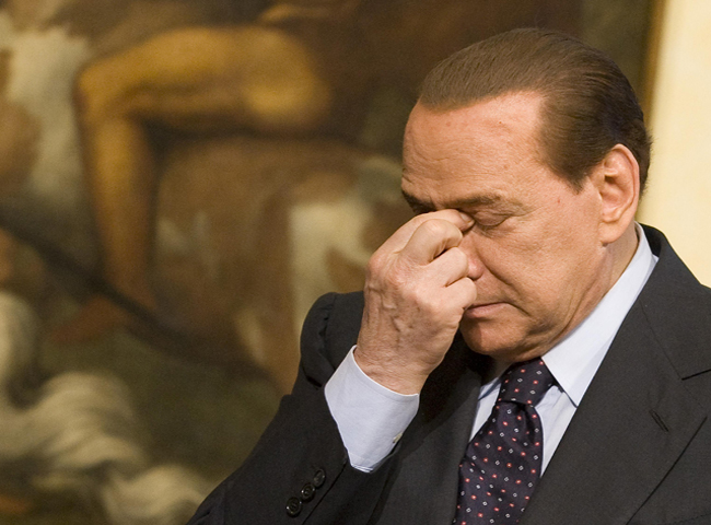 Aumenta la presi&oacute;n sobre el primer ministro Silvio Berlusconi