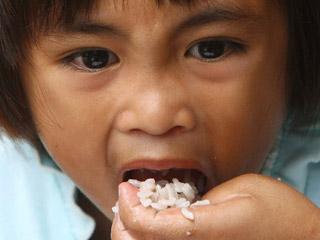 Ver vídeo  'Aumento del hambre crónico y de las hambrunas'