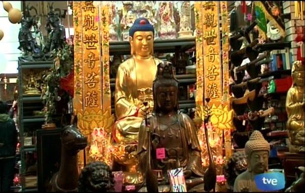 Aunque no se sabe con exactitud, se calcula que viven cerca de 2000.000 ciudadanos chinos en China Town - Buscamundos