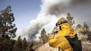 Ver vídeo  'Avanza el incendio de Tenerife'