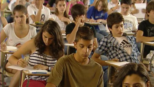 2.300 alumnos  se han presentado hoy al examen para conseguir el premio extraordinario