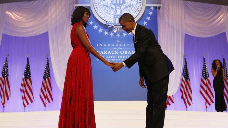 El baile de los Obama puso el broche final a la jornada de investidura