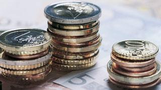 Ver vídeo  'Los bancos bajan la rentabilidad de sus depósitos a plazo fijo'