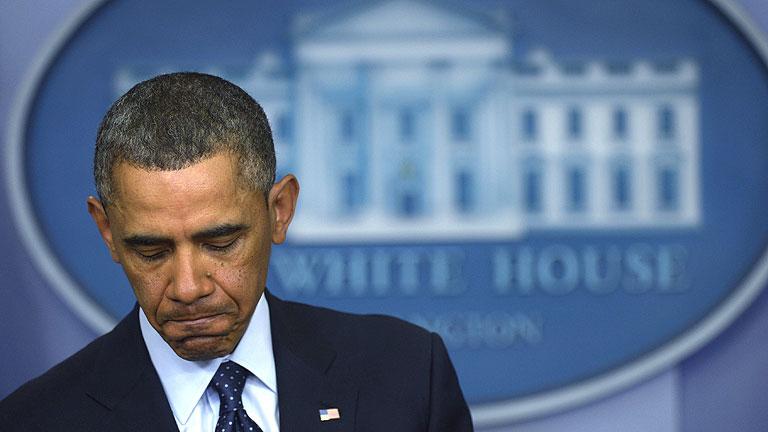 Barack Obama firma la entrada en vigor de los recortes en el gasto público