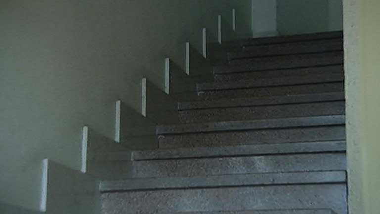 Personas con movilidad reducida continúan con las barreras arquitectónicas de sus vecinos
