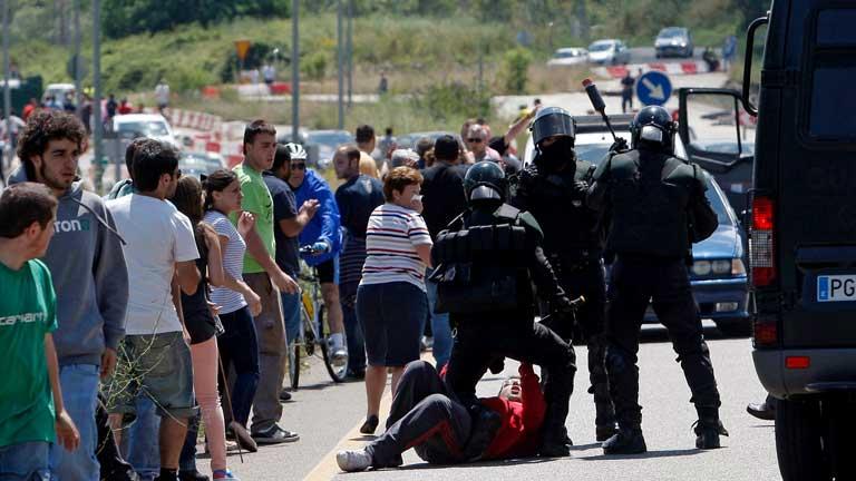 Barricadas de los mineros, que siguen camino a Madrid
