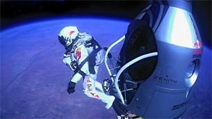 Ver vídeo  'Baumgartner logra romper la barrera del sonido en su salto estratosférico'
