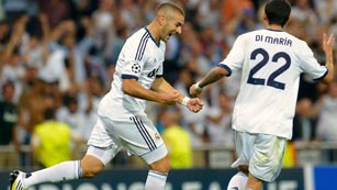 Ver vídeo  'Benzema sostiene al Real Madrid (2-2)'