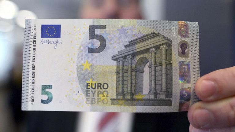 Los billetes de euros usados contienen de media unas 26.000 bacterias