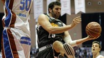Ir al Video Blusens Monbus 79-73 Uxue Bilbao Basket