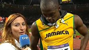 Ver vídeo  'Bolt interrumpe una entrevista con TVE al sonar el himno de EE.UU'