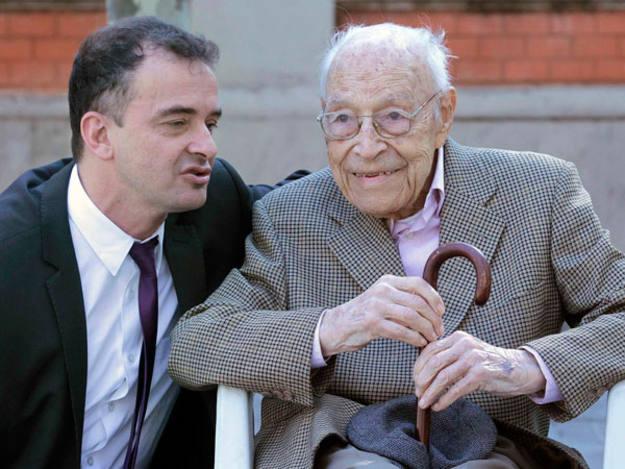 Bosch junto al candidato al Senado, Moisès Broggi, de 103 años
