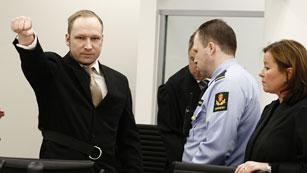 Ver vídeo  'Breivik llega al tribunal'