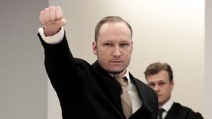 Ver vídeo  'Breivik se mostró frío ante el tribunal'