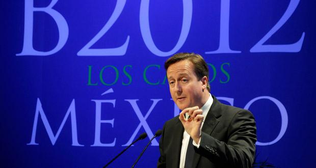 Cameron se dirige a la ausiencia de una conferencia en Los Cabos (México).