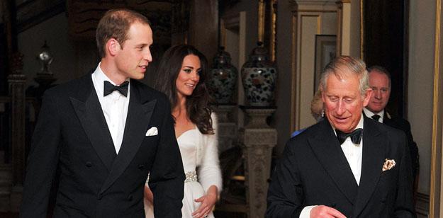 Guillermo y Catalina, duques de Cambridge, acuden a la fiesta nocturna para celebrar su enlace junto al príncipe Carlos y la duquesa de Cornualles.