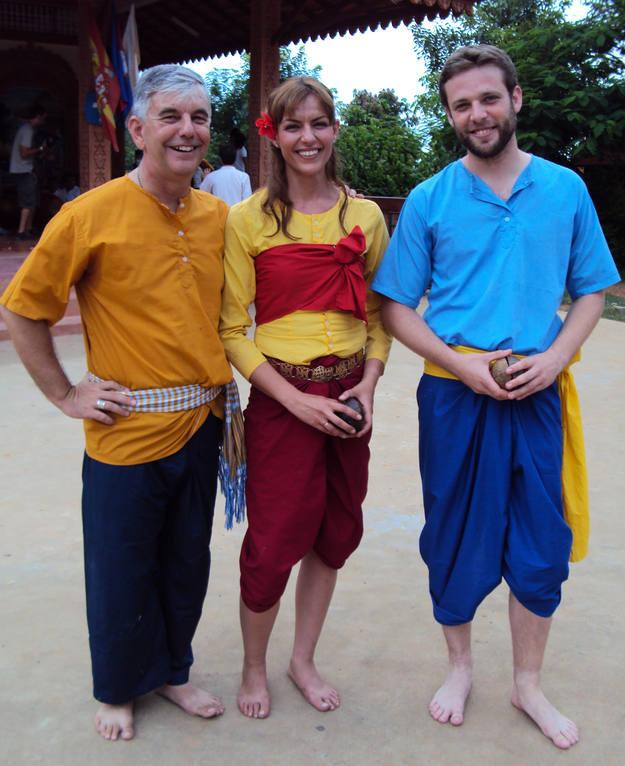 Buscamundos visita a Kike Figaredo, obispo de Battambang - Buscamundos