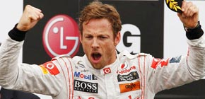 Button se impone a Vettel en la carrera interminable