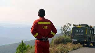 Ver vídeo  'Un cabo primero de la Unidad Militar de Emergencias muere en el incendio de la Sierra de Gata'