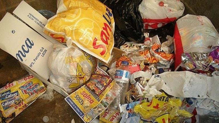 Cada español tira a la basura 28 kilos de comida al año