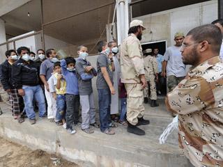 Ver vídeo  'El cadáver de Gadafi permanece en una morgue improvisada en Misrata'