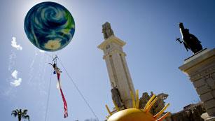 Ver vídeo  'Cádiz se engalana para celebrar el bicentenario de La Pepa'