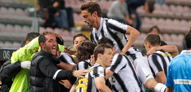 Los jugadores de Juventus celebran un gol de su equipo ante el Cagliari
