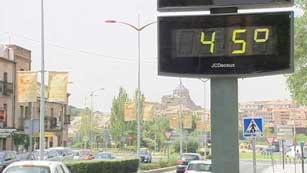 Ver vídeo  'Calor extremo en 14 provincias'