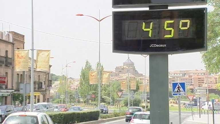 Calor extremo en 14 provincias