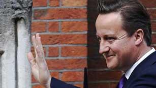 Ver vídeo  'Cameron explica su relación con Murdoch y Rebekah Brooks'