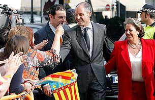 Ver v?deo  'Camps llega al TSJ de Valencia acompañado de Rita Barberá'