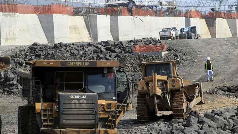 El Canal de Panamá y Sacyr se reunen esta tarde para retomar las obras