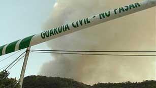 Ver vídeo  'En Canarias, la efectividad del operativo antiincendios continúa generando debate'