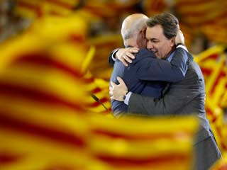 Ver v&iacute;deo  'Los candidatos a las elecciones catalanas cierran la campa&ntilde;a'