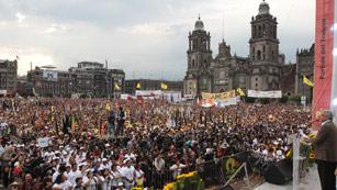 Ver vídeo  'Los candidatos a la presidencia de México echan el cierre a la campaña electoral'
