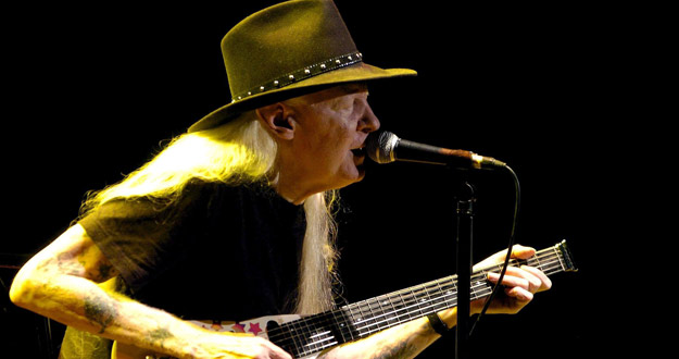 EL CANTANTE DE BLUES JOHNNY WINTER FALLECE A LOS 70 AÑOS