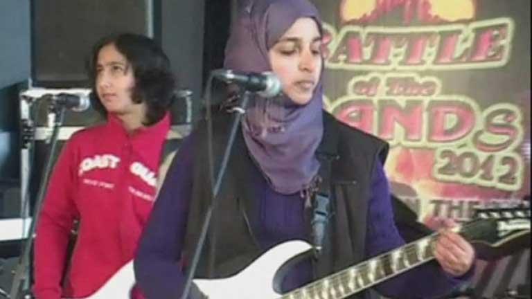 """Grupos radicales musulmanes amenazan al grupo de mujeres indias Pragash """"Alba"""""""